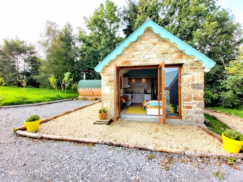 Charming 1-Bed Cottage with Hot Tub & Sauna