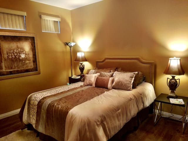 Very quiet and private bedroom located upstairs.