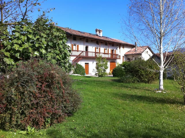 Confortevole Camera - Zermen - Bed & Breakfast