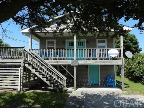Tiki House - Walk 2 Beach、2 Dens、1階エントリー