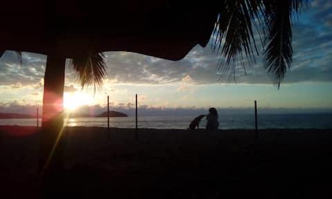 Quinta Los Almendros. Davant de la platja