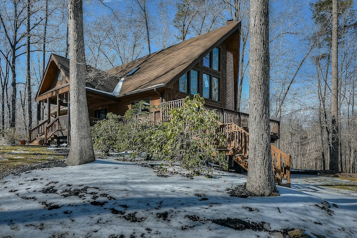 Allergy-Free Lakefront Home w/Private Dock & Beach + Water Views, Firepit, AC!