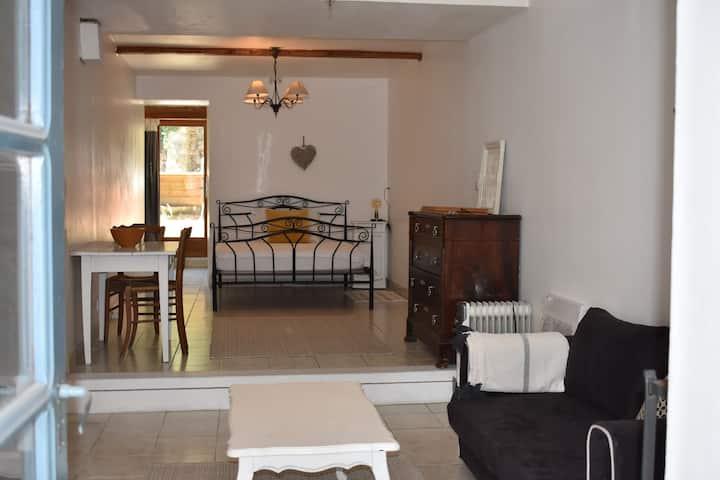 LAnnexe 3 Studio avec piscine, appartement entier