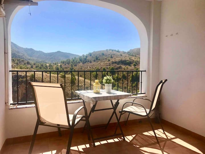 2. GREAT APARTMENT WITH TERRACE AND STUNNING VIEWS