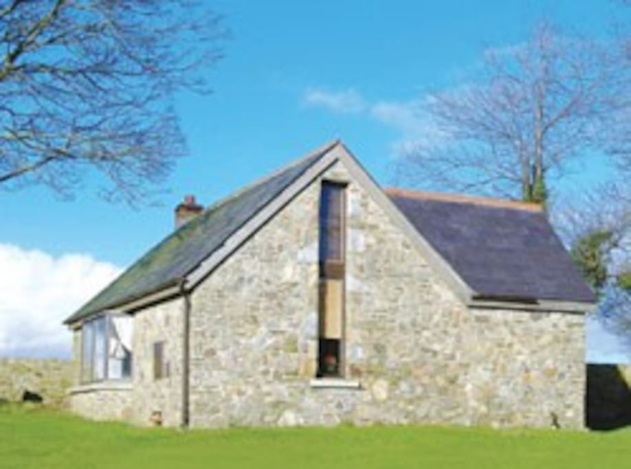 The cottage is available all year