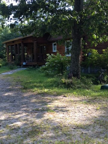 Private Hilltop Cabin w/Lake access - Windham - Dom