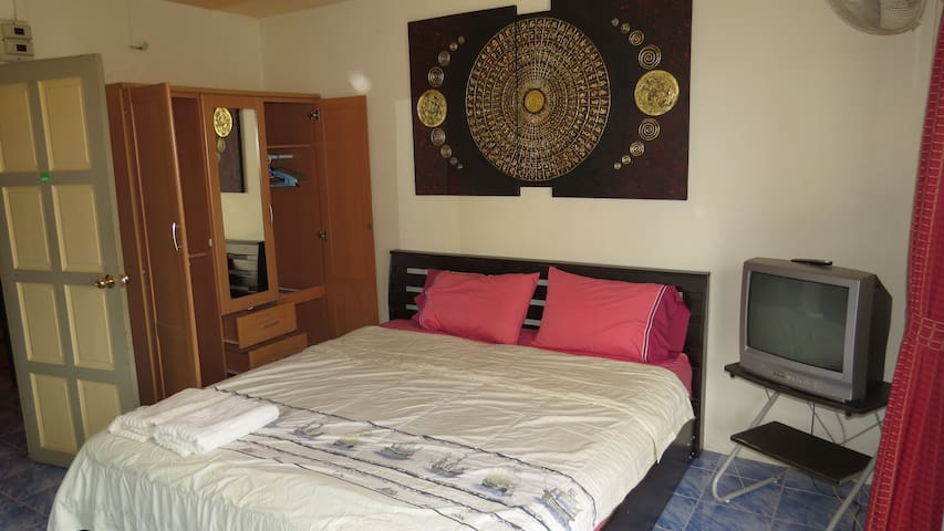 Patong Beach Homestay Guesthouse R4 | Superior+ | - Patong Beach - House
