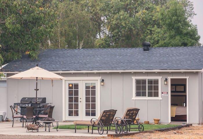 Casa Cadora - a cozy cottage for couples - Los Alamos