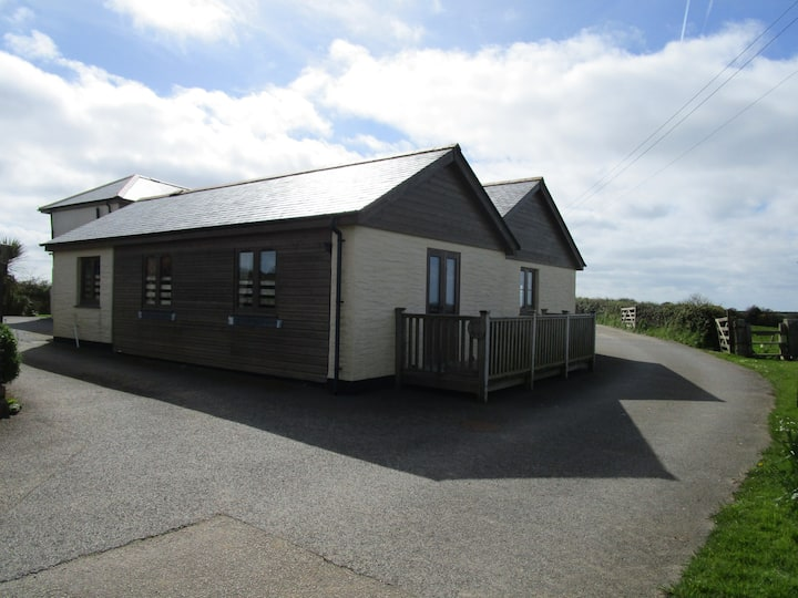 The Byre, nr St Agnes, Porthtowan, beaches, walks