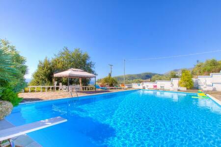 Private Villa ♣ WI-FI Pool Garden Parking Seaview♣ - Formia - Villa