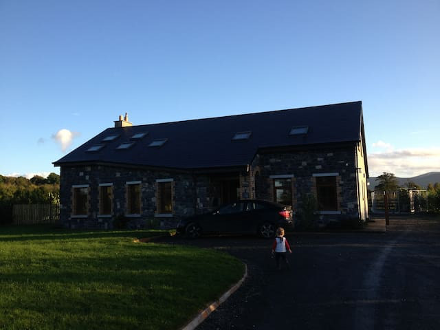 Comfortable Nenagh family-friendly home from home