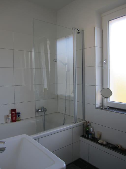 Neues und modernes Bad