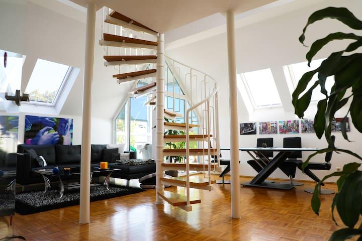 Modern luxury duplex in Düsseldorf (easy commute)