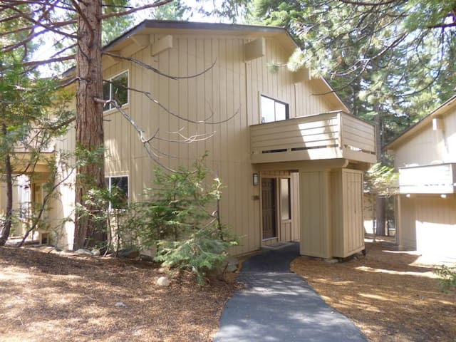 Cozy Tahoe Condo with Great Tech - Incline Village Crystal Bay - Συγκρότημα κατοικιών