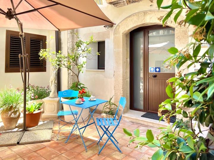 Aurora apartment in Ortigia
