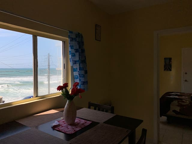 BEACH FRONT! <3 GOOD PRICE