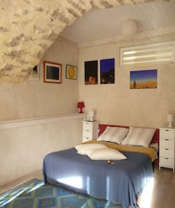 Studio et jardin dans un Colombier - Artignosc-sur-Verdon - Bed & Breakfast