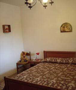 Villa in south eastern Sicily - Chiaramonte Gulfi - วิลล่า
