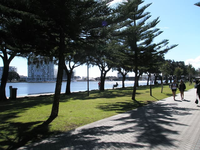 Mandurah Central - Dudley Park - Appartement