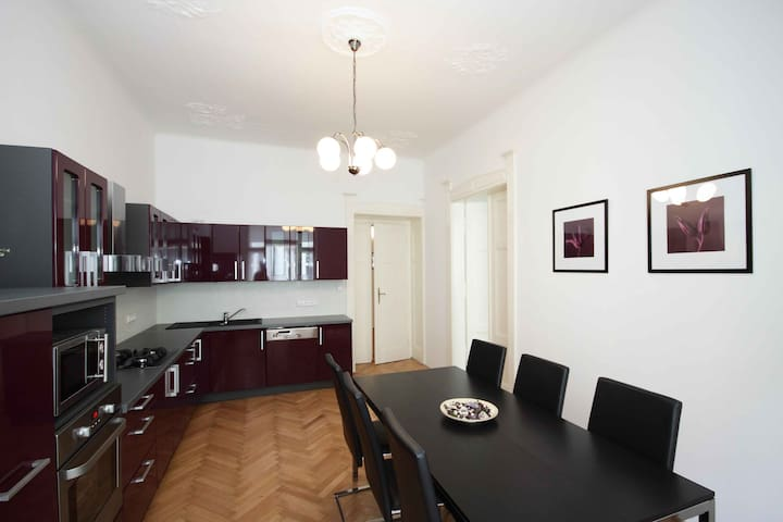 Exclusive flat near Old Town - PC Ex22 2B