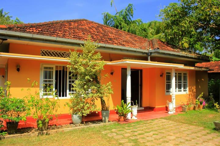Garden Villa close to main Beach.