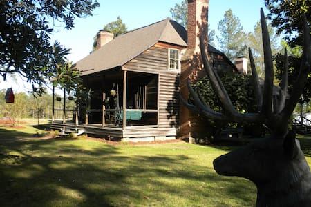 Rubicon Farm ~ a Nearby Hideaway - West End - Cabin