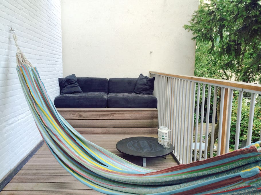 10m2 balcony with morning sun + hammock