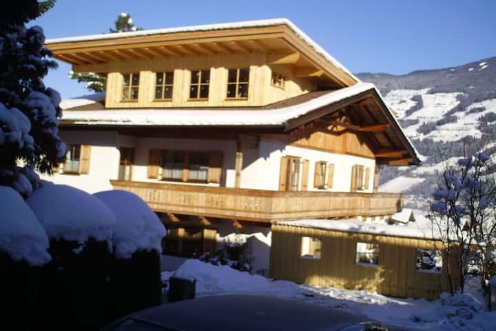 Luxurious Apartment in Fügen near Ski Area