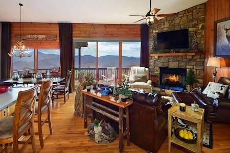 GrandView-Luxury w/ Panoramic Views - Banner Elk - Cottage