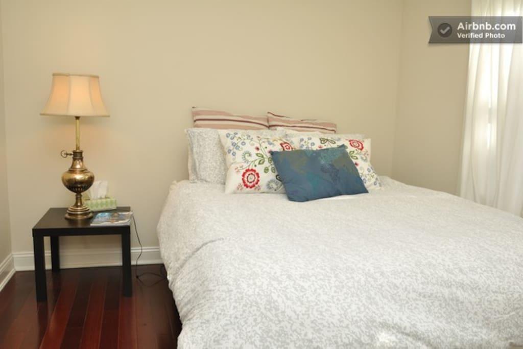 Level 3 Bedroom Queen Bed
