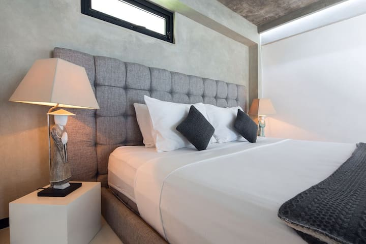 B22 Relaxed & Spacious Loft in the Heart Seminyak