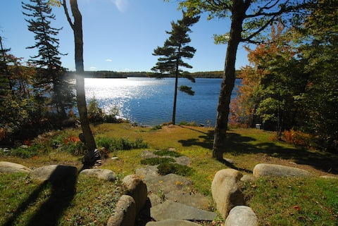 Lakefront Cottage on Annis Lake