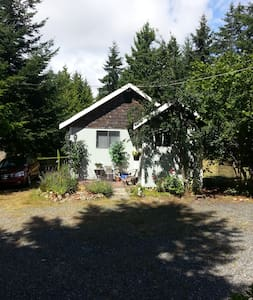 The Little Place - Comox - Rumah