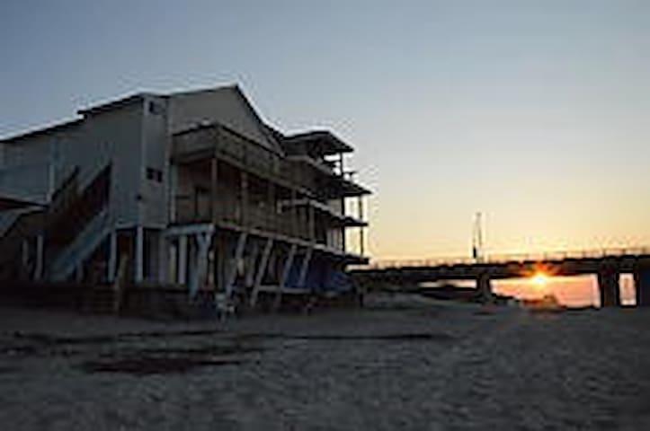Beautiful Chicks Beach Condo for a Dream Vacation - Virginia Beach - Apartment