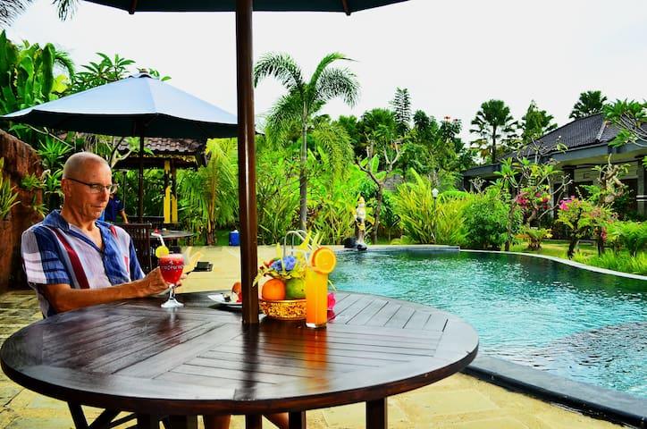 Pondok Wisata Lovina,Sartaya Bungalow