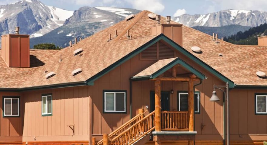 Studio Condo at Beautiful WorldMark Estes Park