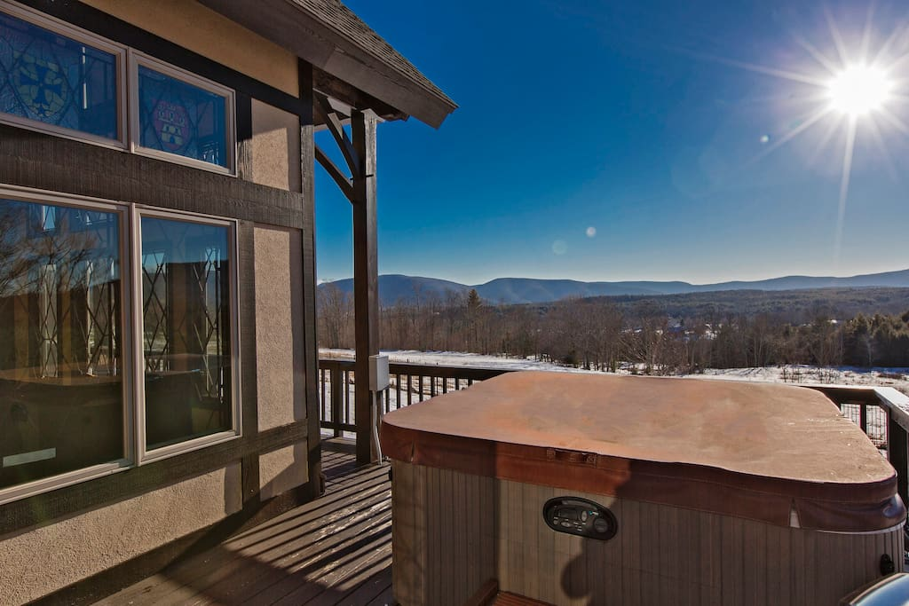 360 SWEEPING MOUNTAIN VIEWS Hottub and Mountains