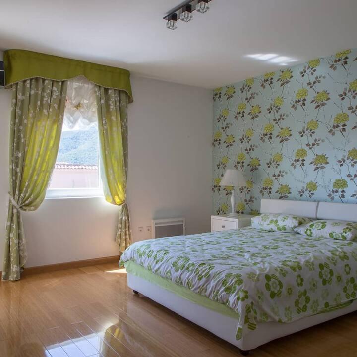 Amazing 2 bedroom apartment in Budva center