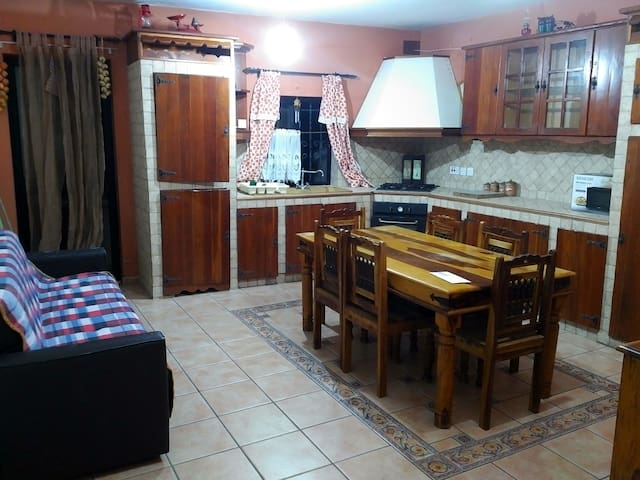 3 Guest private room near to the square of paola