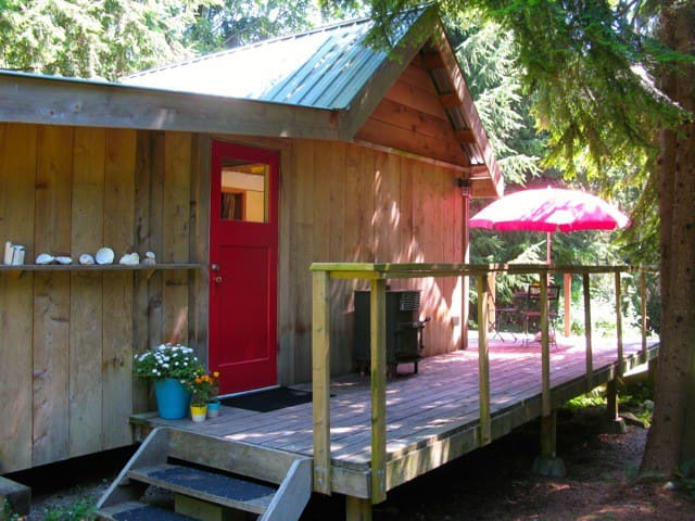 Curious Cabin - Whaletown - Cottage