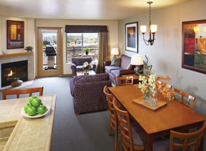 Beautiful Bear Lake Two-Bedroom Condo - 4 Beds