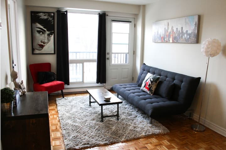 1 Bedroom - Downtown, Byward Market - FREE PARKING
