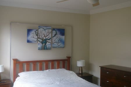 "Mint Studio Apartment ""5"", self catering - East Victoria Park"