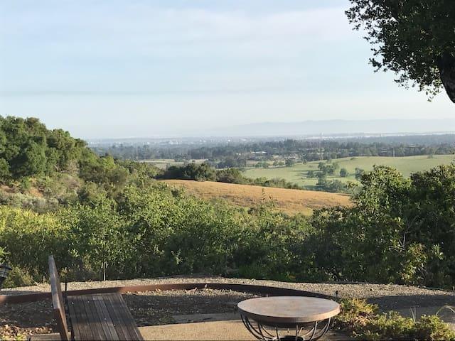 Serene Bay Area home w/ stunning views - Portola Valley - Rumah