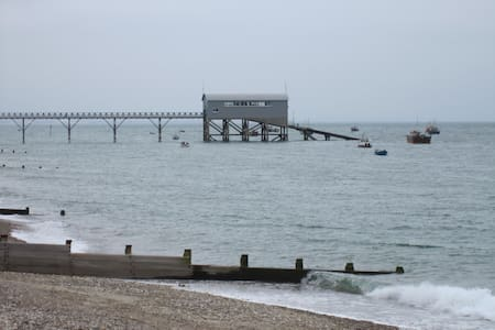 Two bedrooms self catering - Selsey - Xalet