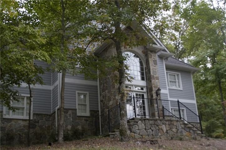 Limestone Springs Cottage on the Course Unit B