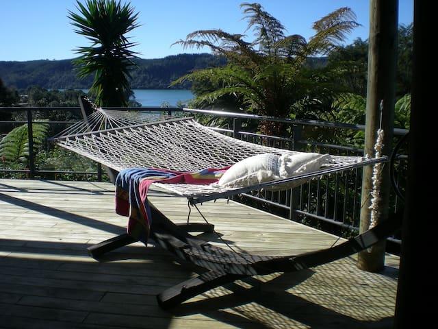 Whangamata Vistas B&B Island View Room - Whangamata - Bed & Breakfast