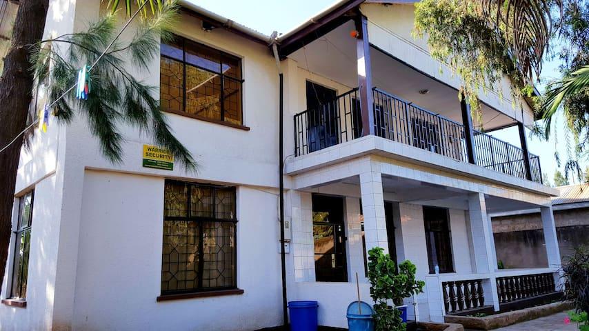 Villa Mina Arusha   Privately House