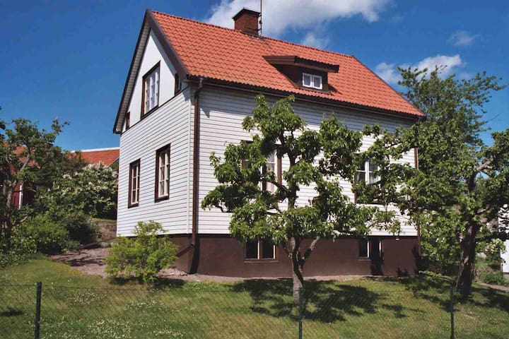 Vacker villa i centrum uthyres - 14931 Nynäshamn