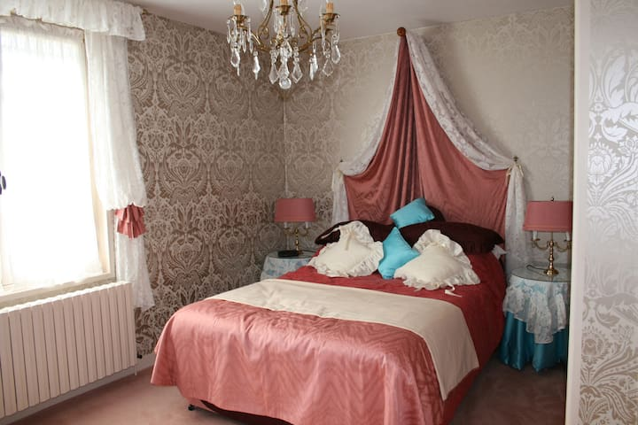 Have a memorable stay in Tournus - Tournus - Dům